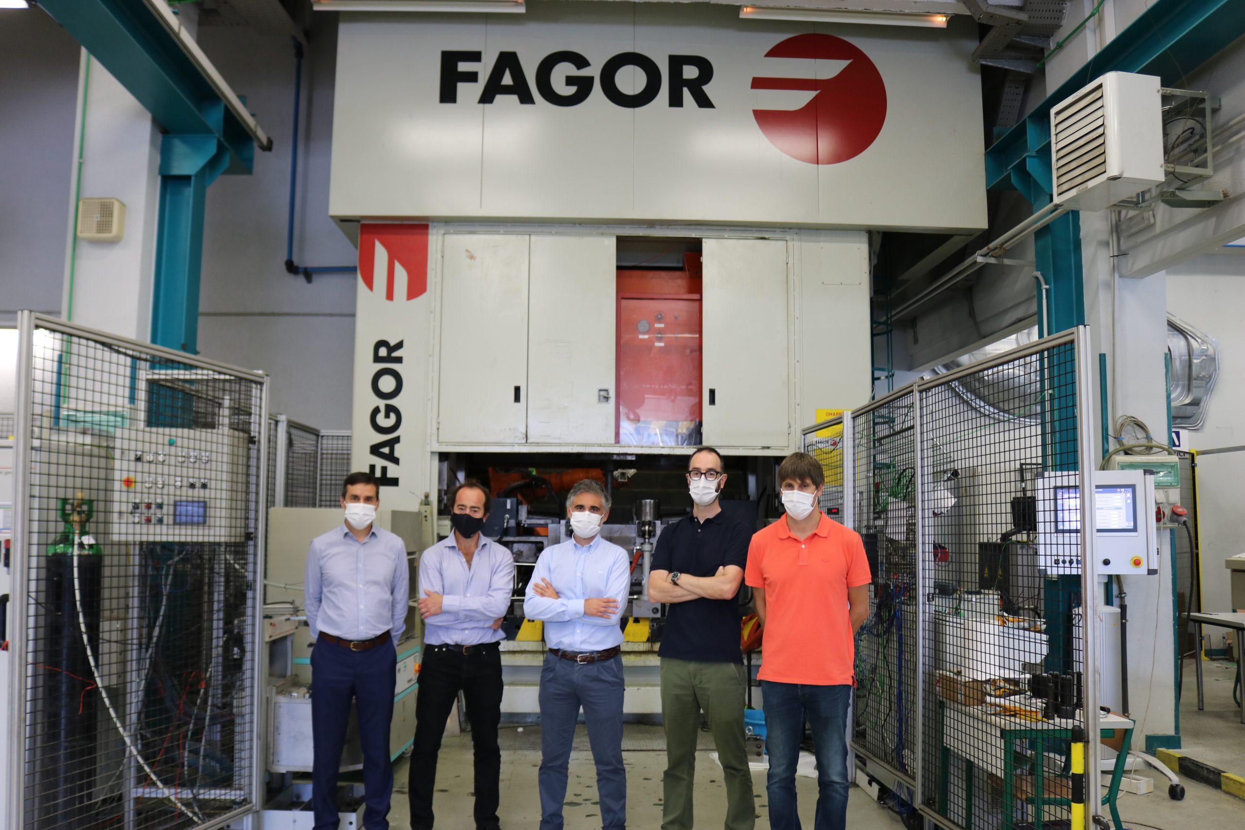 Fabrikazio adimenduna eta Industria 4.0 bultzatzeko aliantza indartu dute Fagor Arrasatek eta MUk
